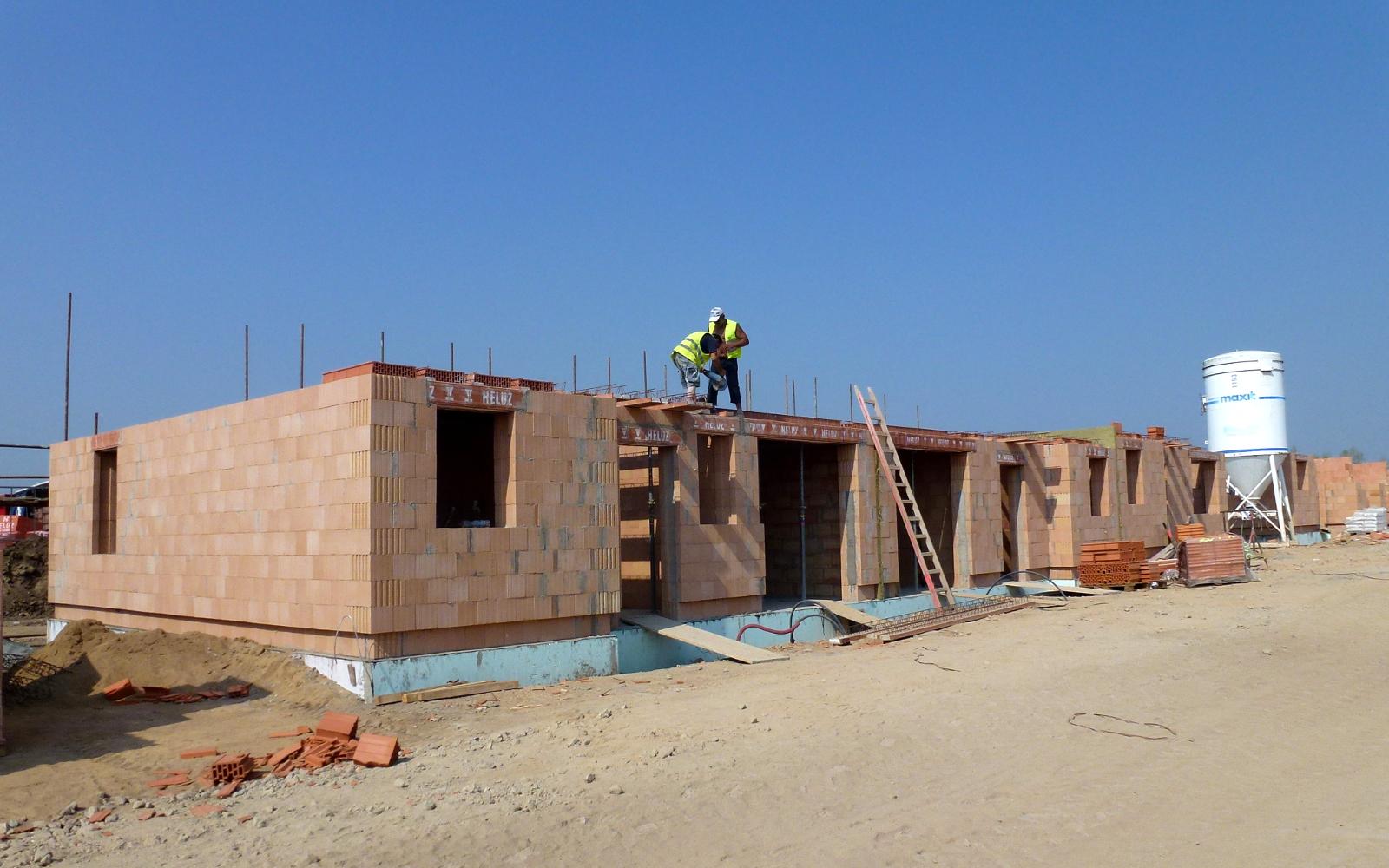 2015-08-13 Děláme stropy přízemí