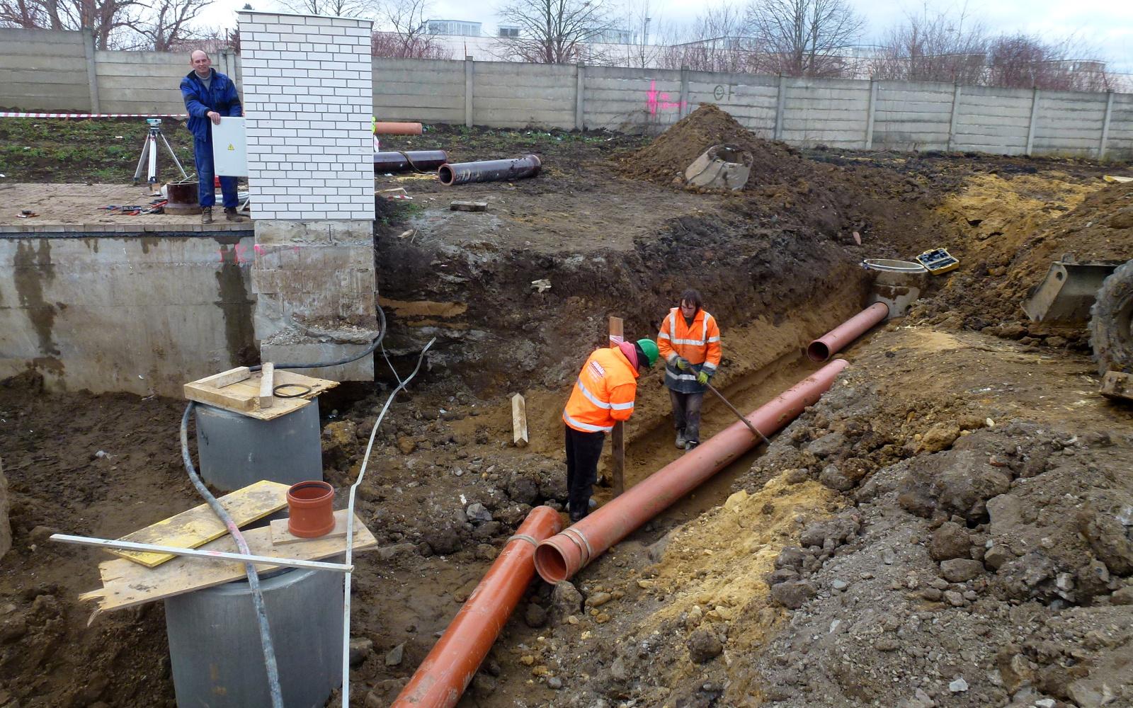 2016-02-02 Napojení kanalizace do ČS CG