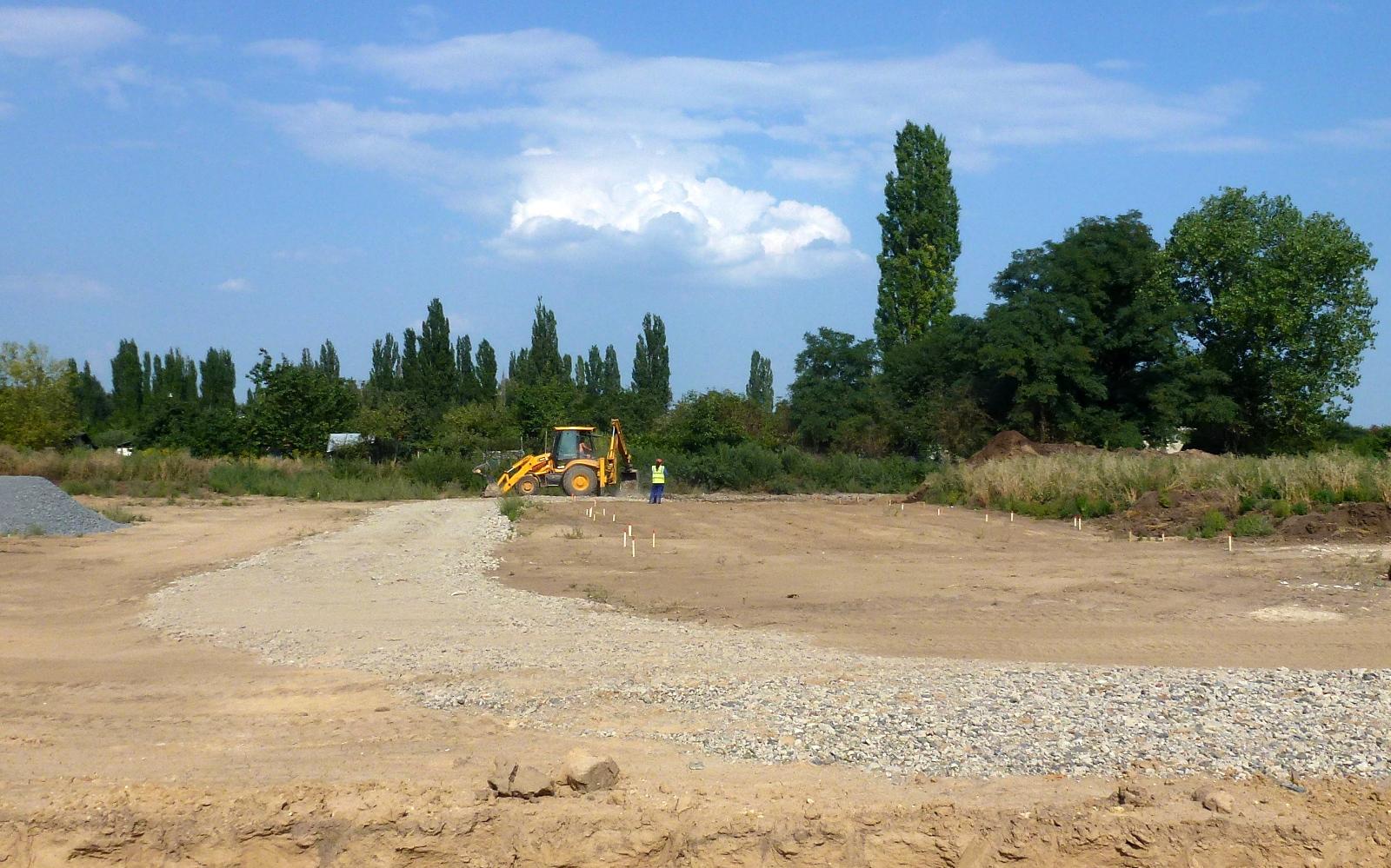 2015-09-01 Přesně podle harmonogramu jsme 1.9.2015 zahájili výstavbu domů 56-60