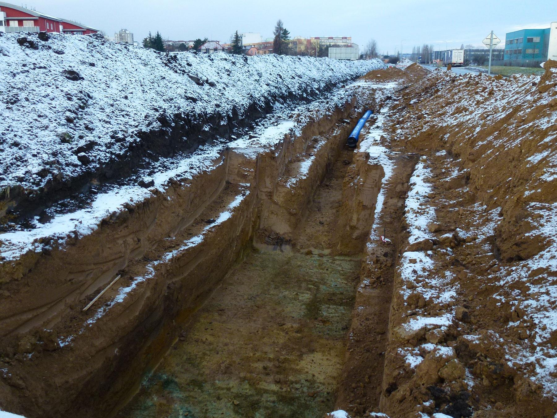 Výstavba vodovodu podél Nové Toužimské